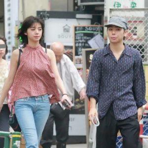 池田エライザと一緒に歩く村上虹郎